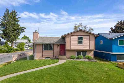 2503 E Hoffman Ave SPOKANE Four BR, Contemporary design and