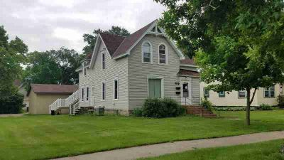 209 Hassan Street SE Hutchinson Five BR, Owner is agent.
