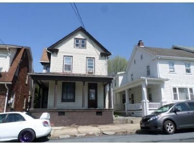 4 Bed 1 Bath Foreclosure Property in Myerstown, PA 17067 - E Main Ave