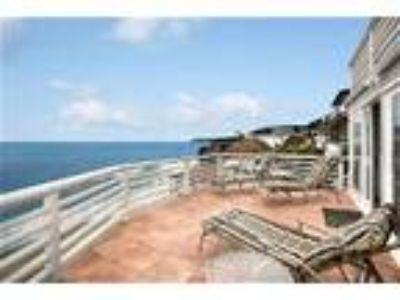Oceanfront Vacation Rental Steps from Sand - House