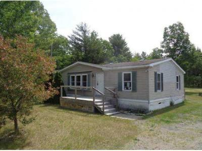 3 Bed 2 Bath Foreclosure Property in Peru, NY 12972 - Clintonville Rd