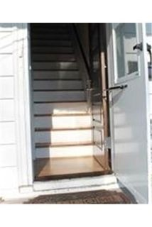 WELL CARED FOR 2ND FLOOR UNIT WITH HARDWOOD FLOORS THROUGHOUT. $900/mo