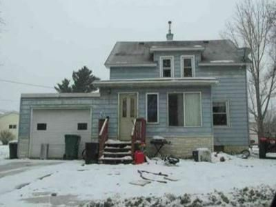 4 Bed 2 Bath Foreclosure Property in Keewatin, MN 55753 - E 1st Avenue