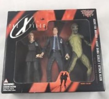 1998 McFarlane Toys - The X-Files 3 figure Pack Mulder, Scully & Alien, in box