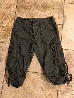 The LIMITED Outback Olive Crop Camo Shorts size 2