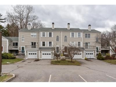 2 Bed 1.5 Bath Foreclosure Property in Bristol, RI 02809 - High Meadow Ct