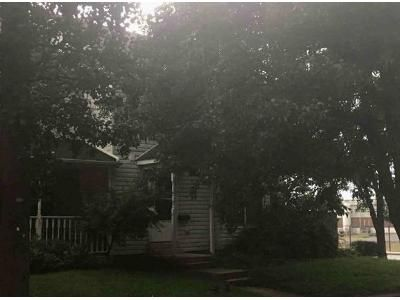 3 Bed 1.5 Bath Foreclosure Property in Pottstown, PA 19464 - Center Ave