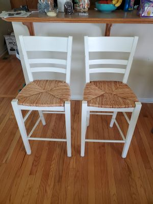 2 very sturdy table high chairs. A couple of Knicks