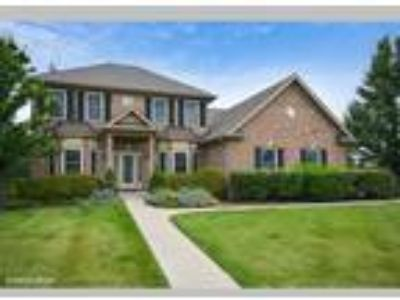 Four BR Home with Beautifully Finished Basement, St. Charles, IL