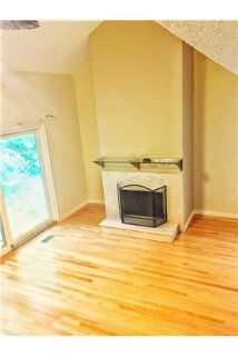 2 bd 2.5 bath end unit townhouse in gated communit