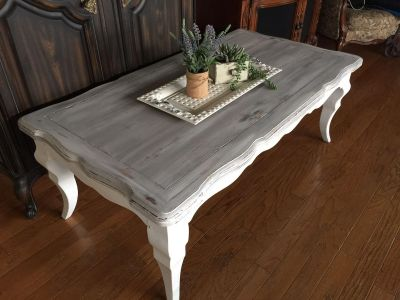 COUNTRY FARMHOUSE COFFEE TABLE.. solid wood.. chalked and seal
