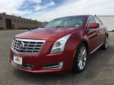 2013 Cadillac XTS Luxury Collection (Crystal Red Tintcoat)