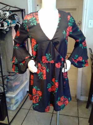 Flower Dress with Bell Sleeves Large