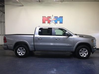 2019 RAM 1500 Laramie 4x4 Crew Cab 5'7 Box (Billet Silver Metallic Clear Coat)