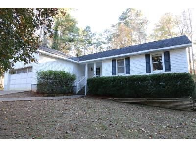 3 Bed 2 Bath Foreclosure Property in Macon, GA 31220 - Queen Anns Ln