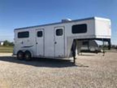 2019 Trailers USA 2 Horse Straight Load GN 2 horses