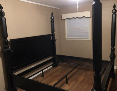 Broyhill King Size Bed Frame for Sale