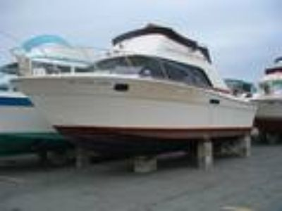 1980 Silverton Marine 30 Convertable Sedan