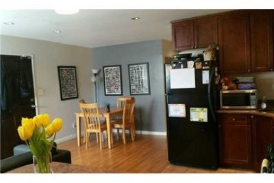 2 bedrooms Townhouse - Beautiful Huge Updated Duplex 2Brs With 1 Parking Space.