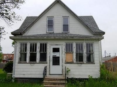 4 Bed 1 Bath Foreclosure Property in Alexis, IL 61412 - S Scott St
