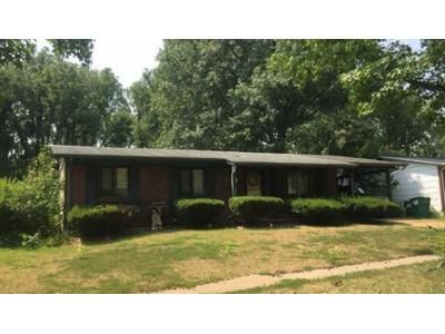 3 Bed 1.5 Bath Preforeclosure Property in Saint Louis, MO 63138 - Laredo Ave
