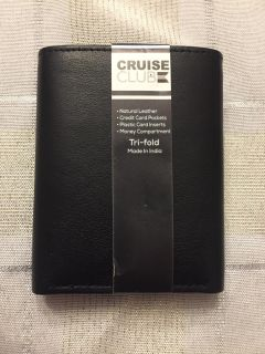 """NEW"" Tri-fold Natural Leather Mens Wallet in Pkg"