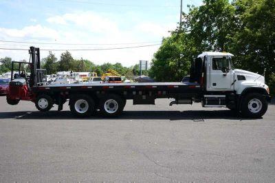 8904 - 2005 Mack Cv713; 2002 Princeton E2-3rvx Piggyback Forklift; 2.75 Ton