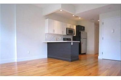 2 bedrooms Condo in New York