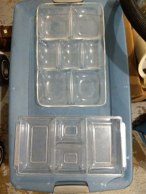 Serving trays-plastic