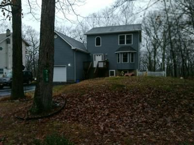 3 Bed 2 Bath Preforeclosure Property in Bushkill, PA 18324 - Pheasant Run