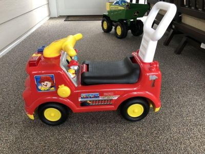Fisher Price Little People Ride On Fire Truck