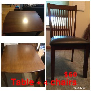 Dining Table with 4 Leather Upholstered Chairs