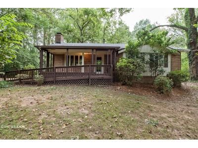 2 Bed 1.5 Bath Foreclosure Property in Charlotte, NC 28214 - Niagara Cir
