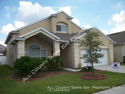 BEAUTIFUL LARGE 4BED 3. BATH  IN DESIRABLE SUNCOAST MEADOWS SUBDIVISION