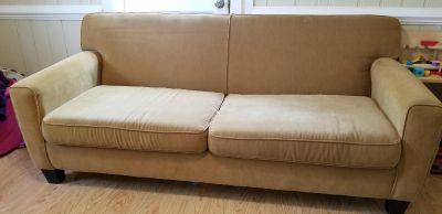 Couch GUC smoke free home