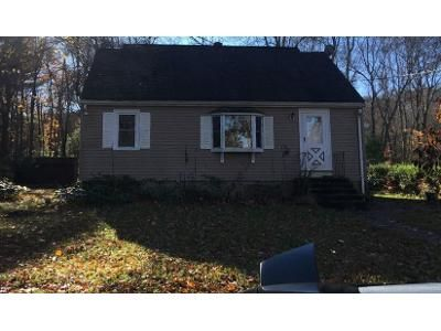 3 Bed 1.0 Bath Preforeclosure Property in Millis, MA 02054 - Spencer St