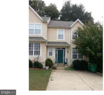 211 S Thomas Ln Newark Two BR, End unit Townhome in popular