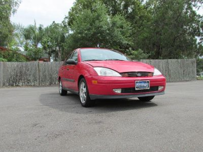 2001 Ford Focus SE (Red)