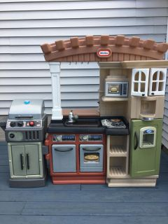 Play kitchen/barbecue