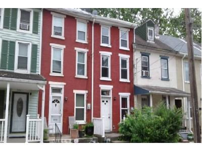 4 Bed 1 Bath Foreclosure Property in Pottstown, PA 19464 - Walnut St