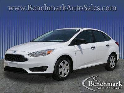 2015 Ford Focus S (White)