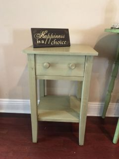 Adorable end table from world market green slightly distressed sign not included ppu only! Cross posted first to pick up