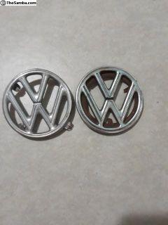 Four tap and three tap hood emblem