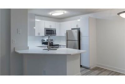 2 bedrooms - luxurious APARTMENTS IN COCONUT CREEK.