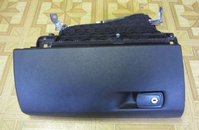 Sell BMW F30 3 SERIES GLOVE STORAGE BOX, PART# 51169228283, OEM motorcycle in North Hollywood, California, United States, for US $115.00