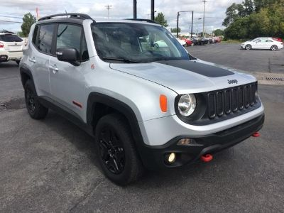 2018 Jeep Renegade Trailhawk (Glacier Metallic)