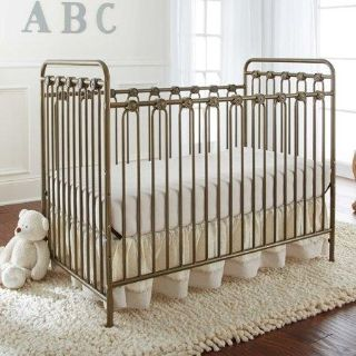 NEW- LA Baby Napa 3-in-1 Convertible Crib AND Toddler/Day Bed Conversion
