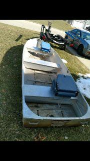 14' fishing boat