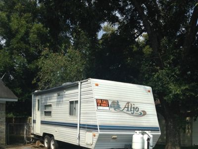 2002 25 foot AlJo , bumper pulled Travel Trailer
