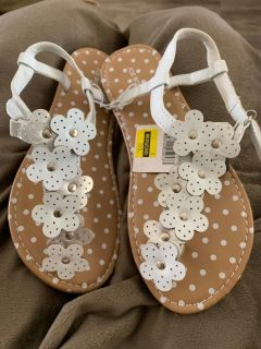 SIZE 2 GIRL SANDALS BY JOE BOXER. CP